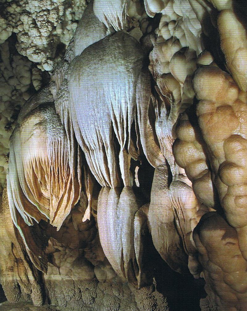 Cueva de las maravillas en aracena for Sala maravillas